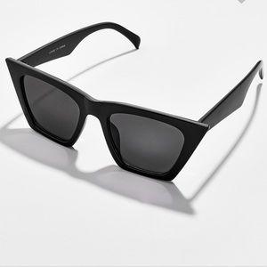 NWT! Baublebar Black Sunglasses!